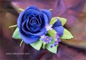 Зажим с синей розой