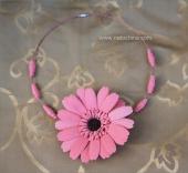 Колье с розовым анемоном