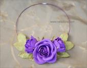 Колье с фиолетовыми розами