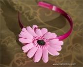 Обруч с розовой герберой